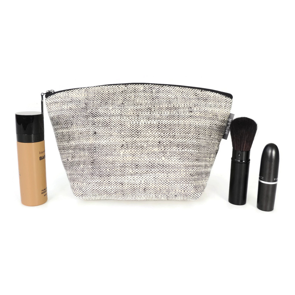 Small Standing Pouch in Beckett