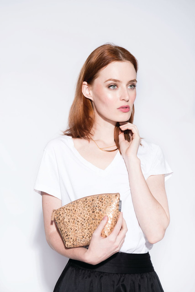 Small Standing Pouch in Cork Dash Gold