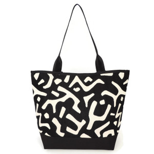 Signature Tote in Modara