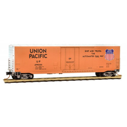 Micro Trains Line 181 00 040 50' Standard Boxcar 8' Plug Door w/o Roofwalk Union Pacific UP #499030