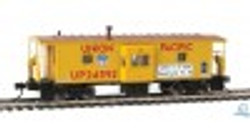 Walthers Mainline HO 910-8670 International Bay Window Caboose Union Pacific #24592