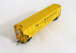 Tangent Scale Models 21011-12 HO Pullman-Standard PS-2 4427 High Side Covered Hopper, Milwaukee Road Original Yellow 1-1968 MILW #97665