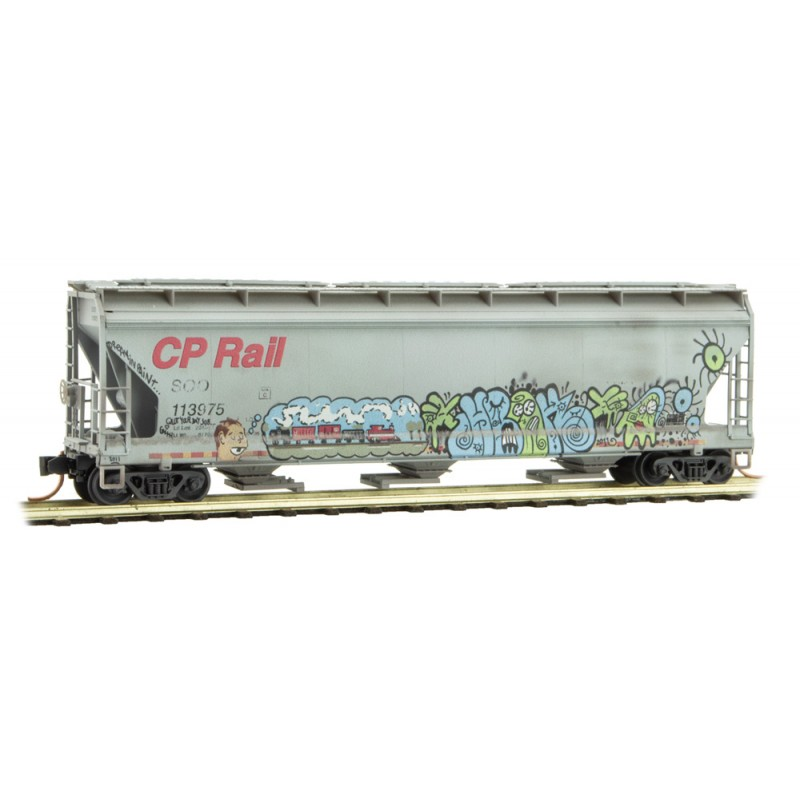Micro Trains Line 094 44 093 3-Bay Covered Hopper with Elongated Hatches Weathered Soo Line CP Rail #113975