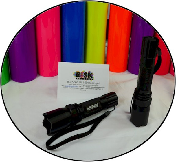 BCT5 365 black light ready to use and comes with two CR123 batteries.