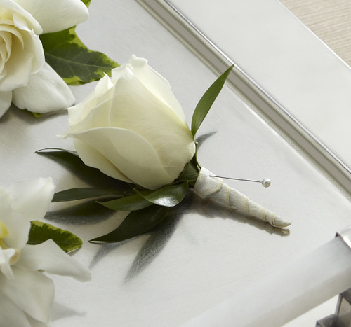 TheWhite Rose Boutonniere