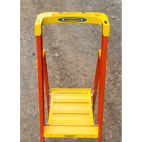 Werner PD6200-4C Series Podium Ladder with Casters 300 lb Rated