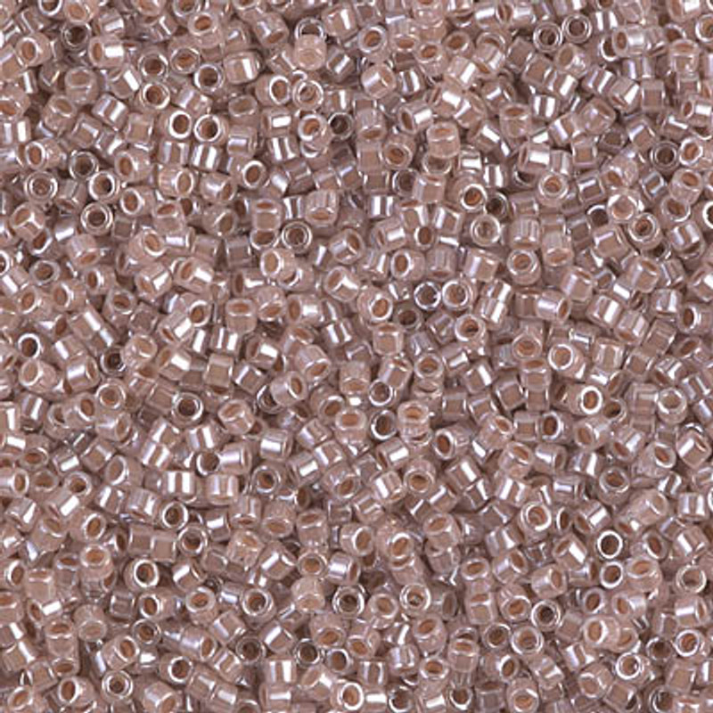 11-DB-0256, Taupe-Lined Crystal (10 gr.)
