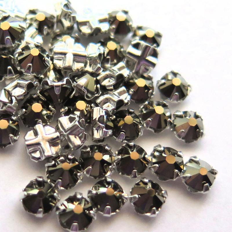 16ss Swarovski Rose Montees - Black Diamond (50)
