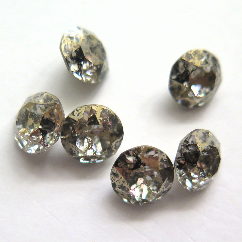 39ss (8mm) Chatons, Crystal Gold Patina (Qty: 6)
