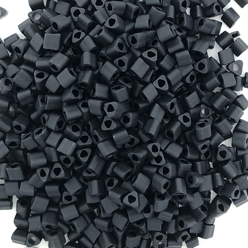 11-TRI-0049F, Matte Jet Black Triangles (28 gr.)