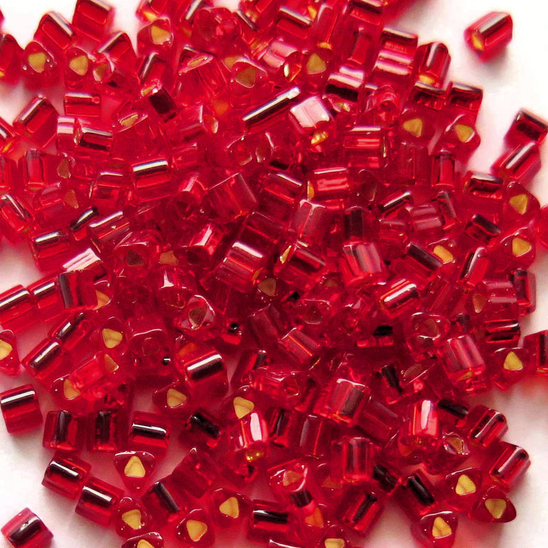 8-TRI-0025C, Silver Lined Ruby Triangles (28 gr.)