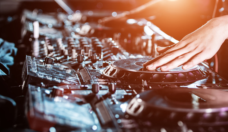 The Ultimate Guide to DJ Equipment for Beginners