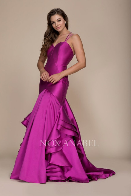 This elegant sweetheart neckline prom dress features a sweetheart neckline with double spaghetti straps and a sexy cross back in Mikado material- shop prom-avenue , Nox Anabel NX-C034, navy, magenta, red, green