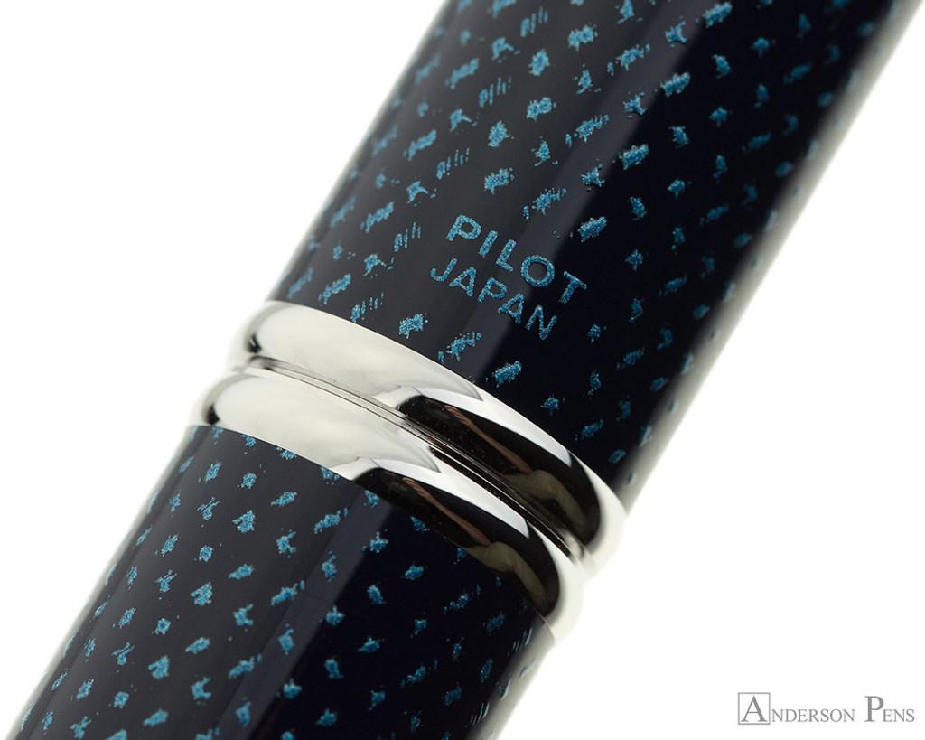 Pilot Vanishing Point Fountain Pen - Blue Carbonesque
