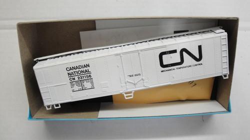498-1 (HO SCALE) Bev-Bel-66-498-1 Canadian National 50  Mechanical Reefer CN 231156