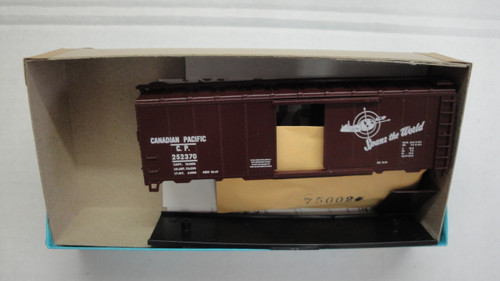 1052-2 (HO SCALE) Bev-Bel-66-1052-2 Canadian Pacific 40  Single Door Boxcar CP 252370