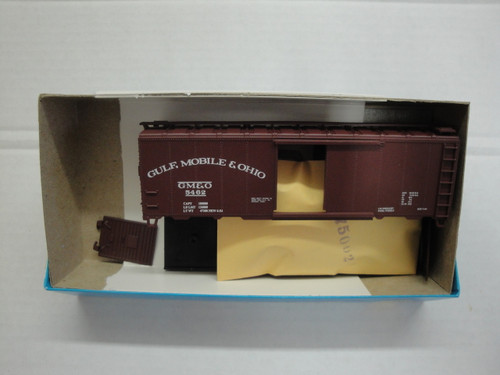 1487 (HO SCALE) Bev-Bel-66-1487 Gulf Mobile and Ohio 40  Single Door Boxcar GM and O 5462