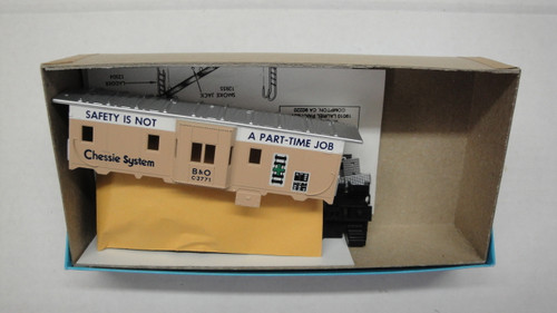 2221-2 (HO SCALE) Bev-Bel-66-2221-2 Chessie System - B and O 37  Bay Window Safety Caboose B and O 3771
