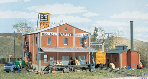 3018 (HO Scale) WAL-933-3018        Golden Valley Canning Co.