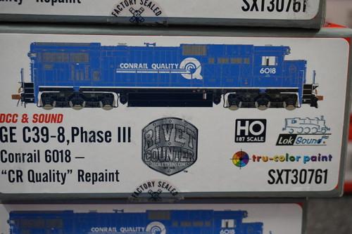 SXT30761 GE C39-8 Conrail #6018 Rivet Counter ScaleTrains  (SCALE=HO)  Part # 8003-SXT30761