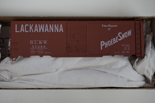 112-35279 (HO SCALE) Accurail DL&W Lackawanna - Route of Phoebe Snow - (Scale=HO) 112-35279