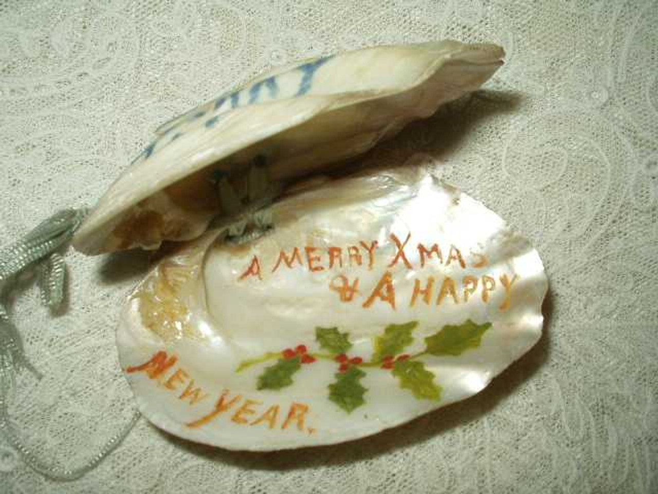 Antique Victorian Hand Painted Christmas Holiday Seashell Trinket Box