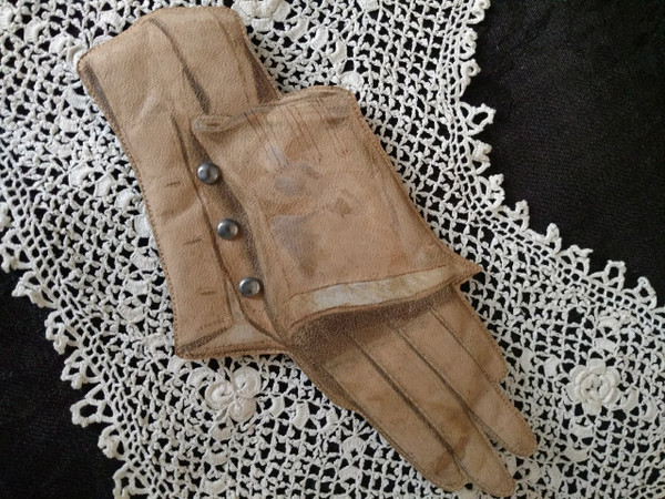 Victorian Edwardian Pincushion Leather Glove Replica Metal Buttons