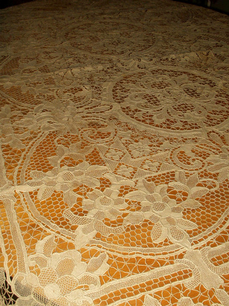 Antique Point Venice Needle Lace Tablecloth Hand Made Flora Scrolls