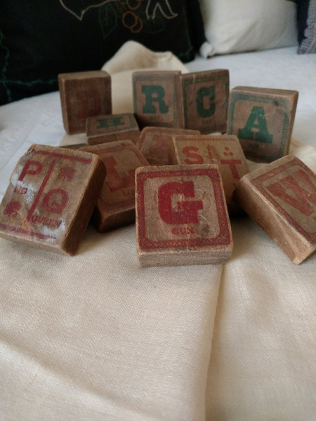 Children 12 Wooden Toy Building Blocks Printed Letters Numbers Pictures