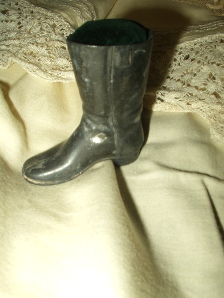 Antique Victorian Edwardian Metal Shoe Boot  Sewing Pin Cushion