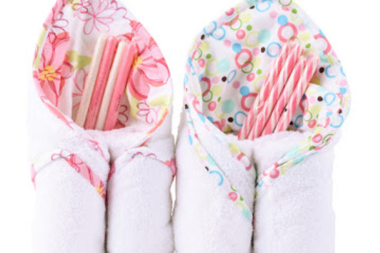 Hooded Bath Towel With Candy Sticks