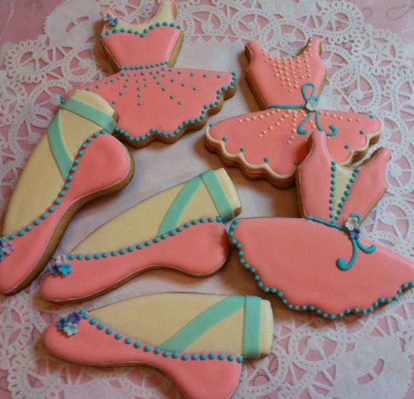 Ballet cookies (ballet slipper and Hayley Ballet tutu) by Angela Chin