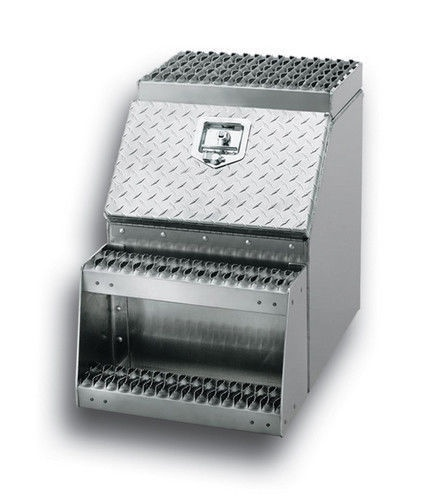 "Aluminum 18"" Tool/Step Saddle Box with Lock and Keys"