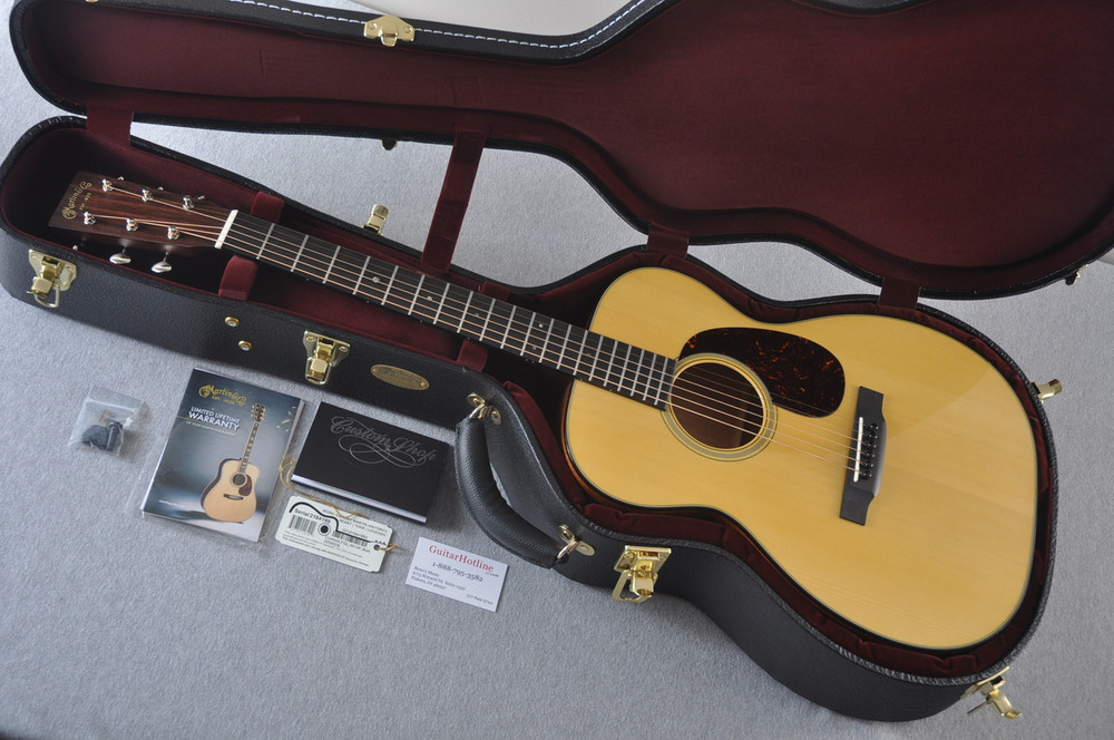 Martin Custom Shop 00-18 Adirondack Spruce Top Acoustic Guitar #2164199 - Case