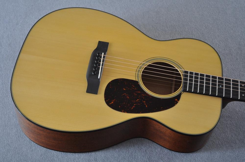 Martin Custom Shop 00-18 Adirondack Spruce Top Acoustic Guitar #2164199 - Top