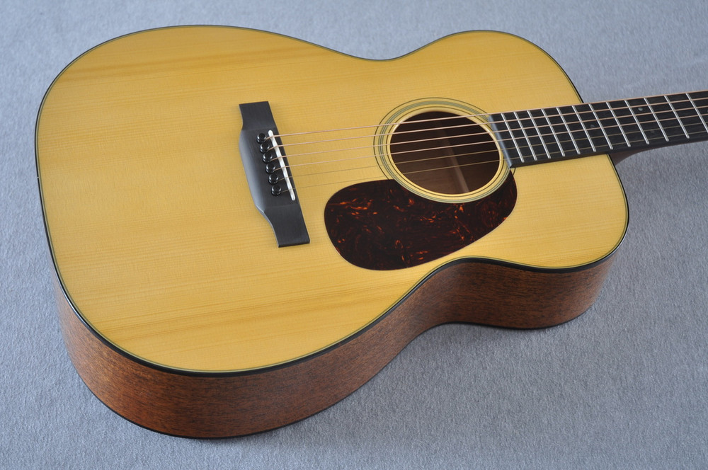 Martin Custom Shop 00-18 Adirondack Spruce Top Acoustic Guitar #2166934 - Beauty