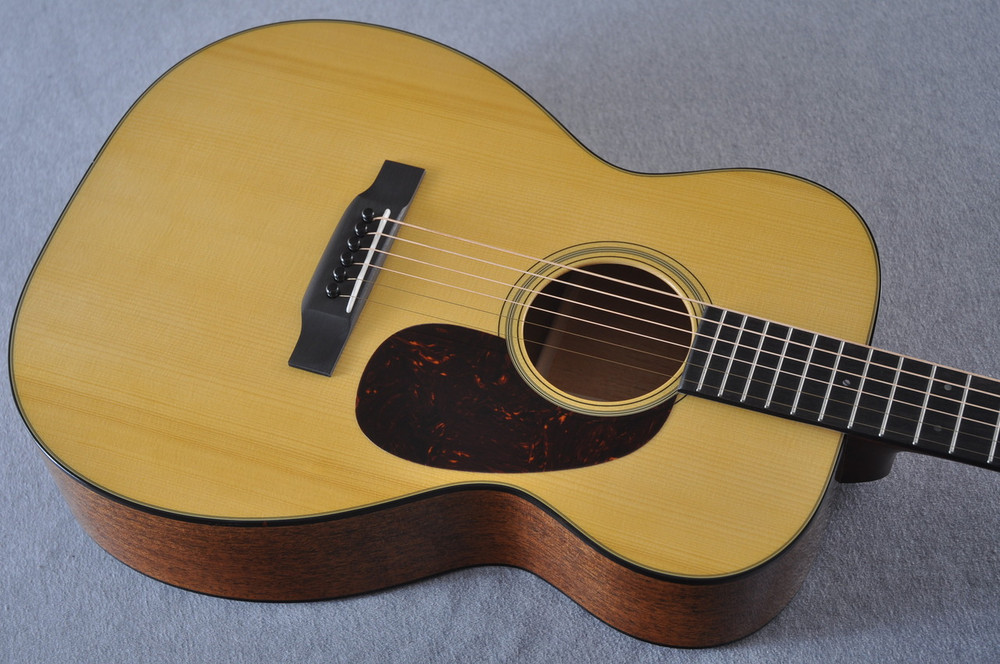 Martin Custom Shop 00-18 Adirondack Spruce Top Acoustic Guitar #2166934 - Top Angle