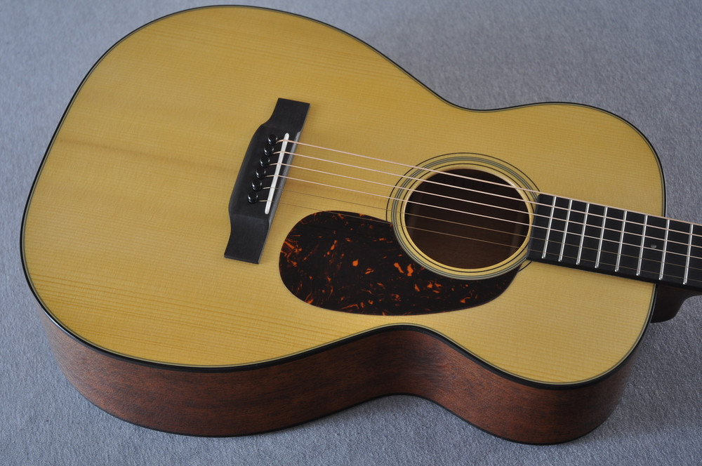 Martin Custom Shop 0-18 Adirondack Spruce Acoustic Guitar #2164197 - Top Angle