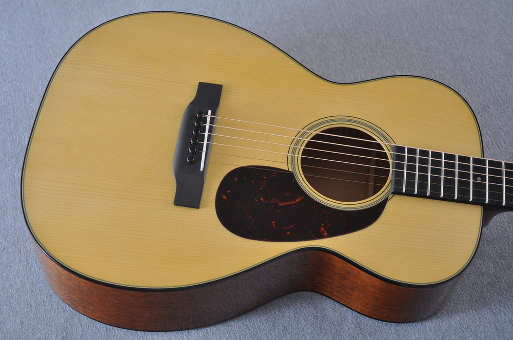 Martin Custom Shop 0-18 Adirondack Spruce Acoustic Guitar #2164198 - Top