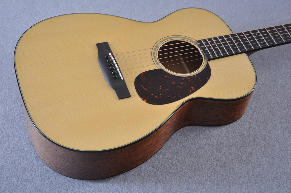 Martin Custom Shop 00-18 Adirondack Spruce Top Acoustic Guitar #2186828 - Beauty
