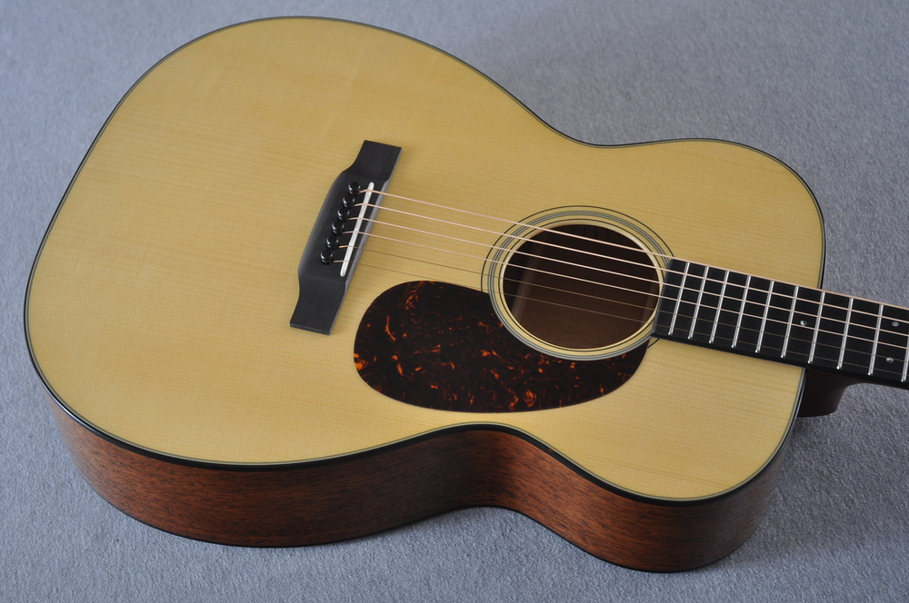 Martin Custom Shop 00-18 Adirondack Spruce Top Acoustic Guitar #2186828 - Top Angle