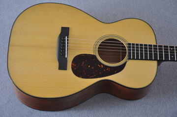 Martin Custom Shop 0-18 Adirondack Spruce Acoustic Guitar #2164197 - Top
