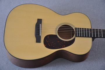 Martin Custom Shop 00-18 Adirondack Spruce Top Acoustic Guitar #2186828 - Top
