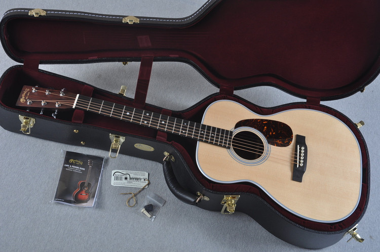 2016 Martin Custom Shop 00-28 Guatemalan Acoustic Guitar #2054111 - Case