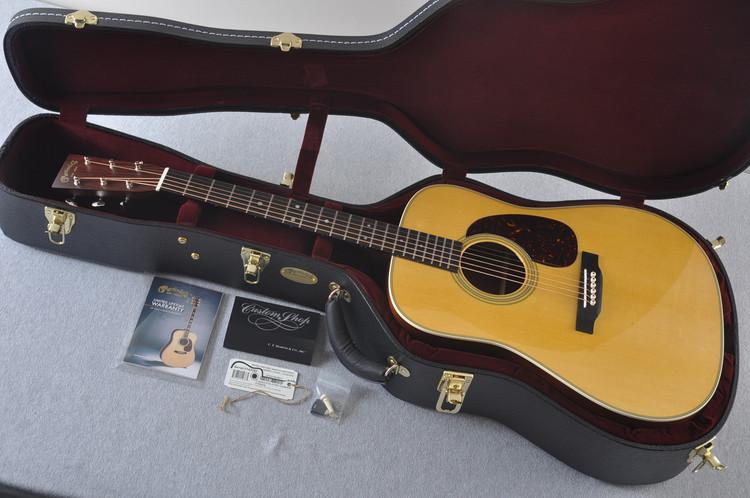 Martin Custom Shop D-28 (2017) Guatemalan Rosewood Dreadnought Acoustic Guitar #2142387 - Case