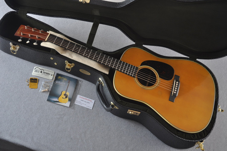 Martin Custom Shop D-28 Authentic 1937 VTS Aged #2175182 - Case