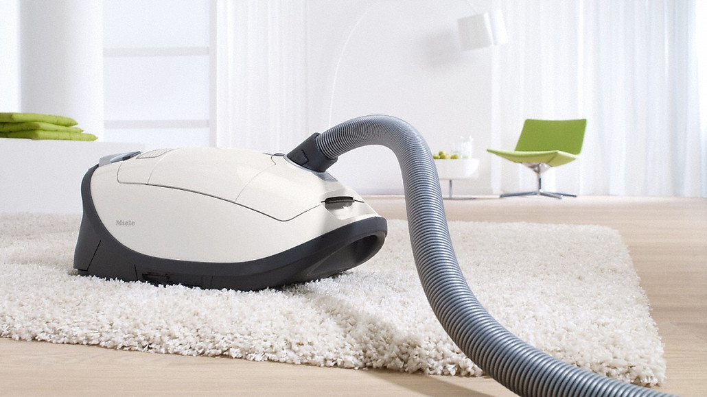 Miele Cat and Dog Complete C3 Canister Vacuum Cleaner w/ FREE Overnight Delivery!
