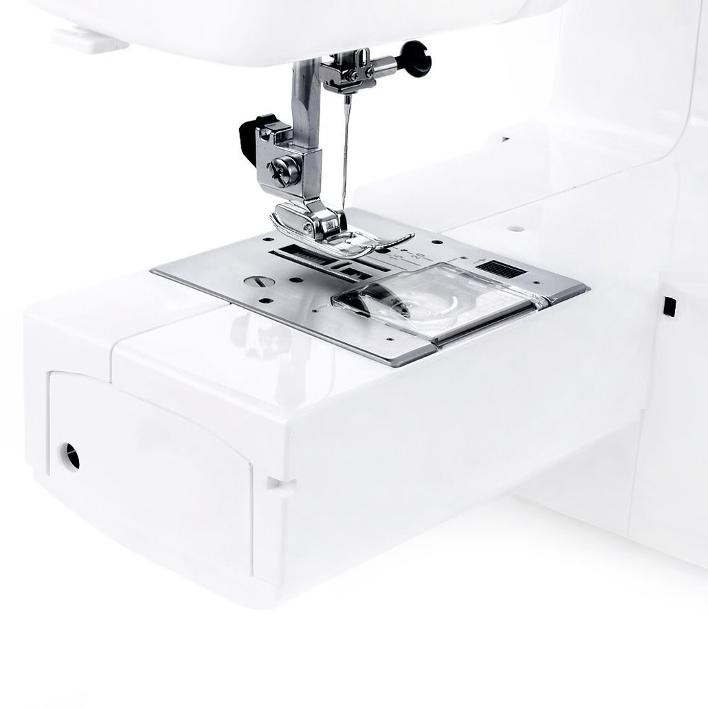 Janome Magnolia 7318 Sewing Machine w/ FREE! 4-Piece V.I.P Reward Package and FREE! 2nd-Day Shipping