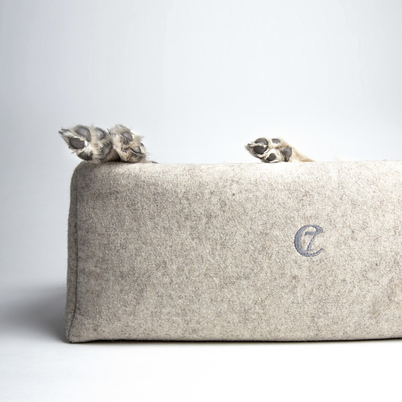 Little Nap Dog Bed - Felt & Cashmere little feet www.hugoandotto.com