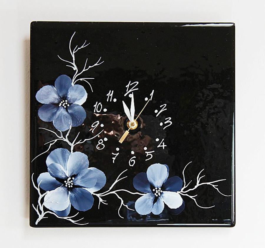 Blossoms Clock (black)